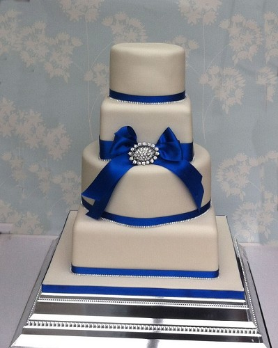 fake wedding cake hire uk wedding cake in the uk the bridal file 14120